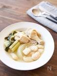 香味野菜で旨味たっぷり、白いんげん豆と鶏のスープ