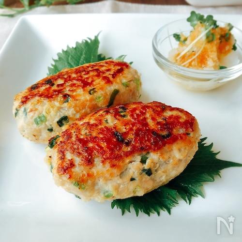 夕飯のおかず☆シャキシャキれんこんと鶏ひき肉のつくね