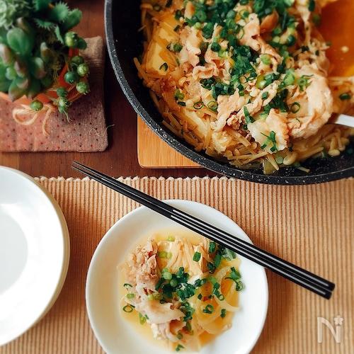 夕飯のおかず☆豚バラ肉とえのきと豆腐の重ね蒸し