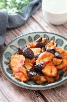 お肉柔らかなすトロリご飯進む♡鶏むね肉となすのケチャポン炒め