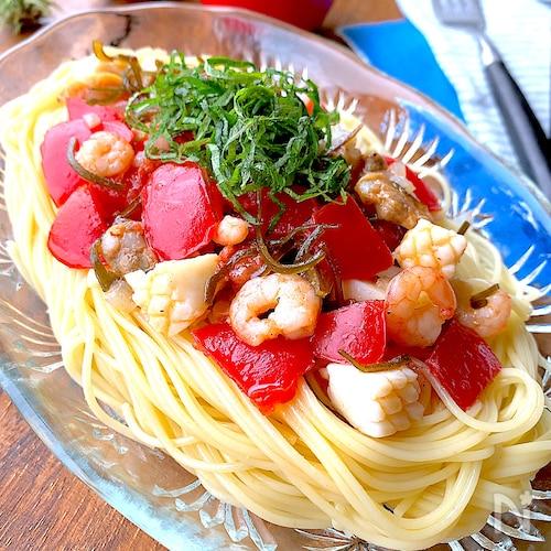 うま味溢れる【完熟トマトの冷製シーフードパスタ】