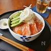 お刺身は少なめでOK!おしゃれにボリュームもアップ!華やか海鮮丼レシピ