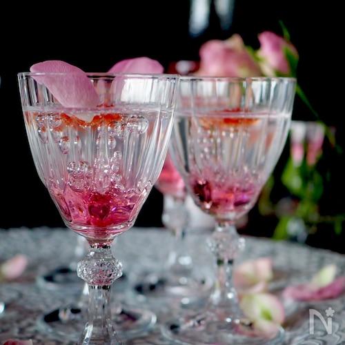 【簡単おもてなし】宝石みたいにキラキラ光る薔薇のゼリー