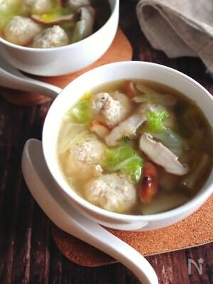 【鶏団子と白菜のうま塩にんにくスープ】染みわたる絶品スープ!