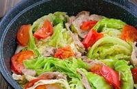 豚バラキャベツとトマトの蒸し煮