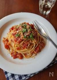 『万能トマトソースとツナのパスタ』