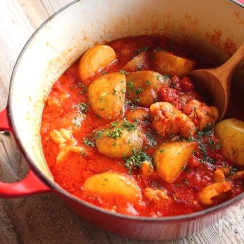 ほったらかし*ゴロゴロじゃがいもとチキンのトマト煮