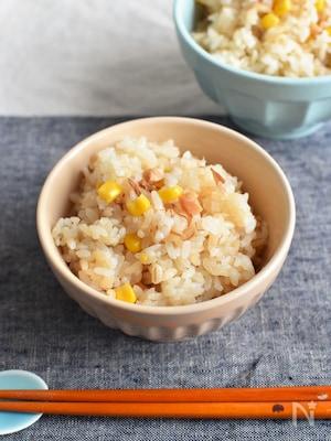 なめ茸とコーンとベーコンの炊き込みご飯*保存食で簡単ウマご飯