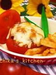 夏野菜とツナで丸ごとトマトのマヨ味噌チーズ焼き♥︎