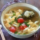 白だしで簡単!鍋ひとつ とろろ昆布とトマトのかき玉うどん