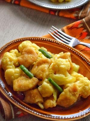 カリフラワーを美味く「カリフラワーと鶏むねのカレー炒め餡」