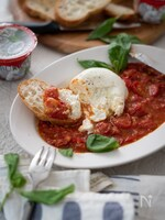 ブラータチーズのホットトマトソース。