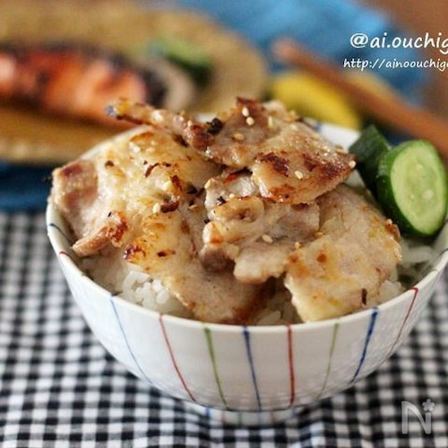 お茶碗いっぱいの豚肉のネギ塩焼きで茶碗丼♡