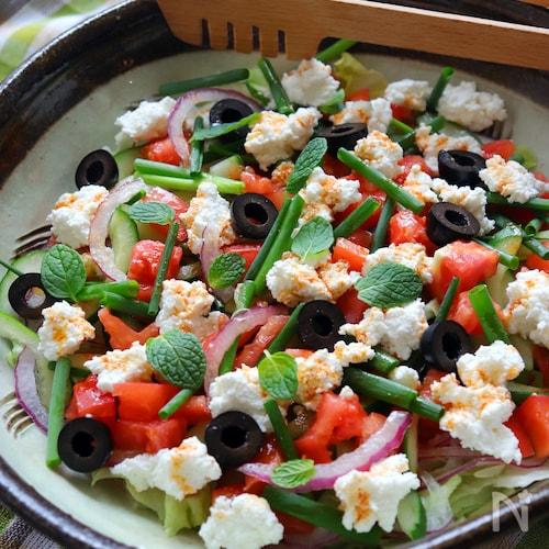 トルコ風白いチーズのサラダ