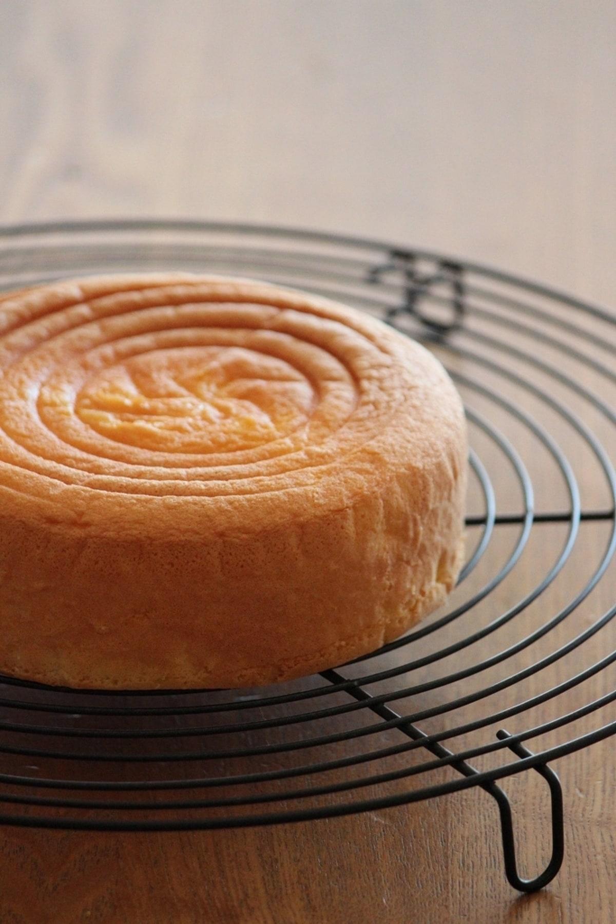 メレンゲで作る、基本のスポンジケーキ。