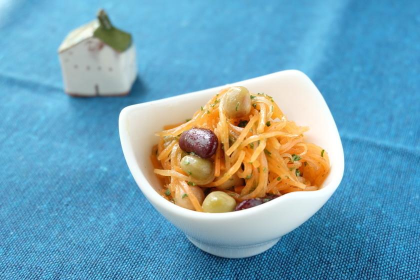 〈くらし薬膳〉にんじんと豆のマリネ