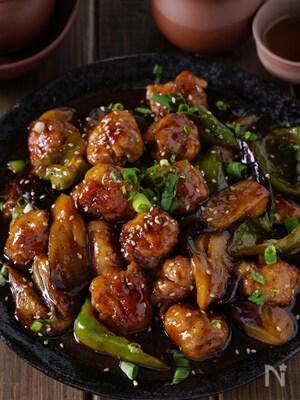 【茄子たっぷりが正解】濃厚黒酢あんのご飯が進む豚こまボール