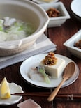豆腐とタラの小鍋。ネギおかかのっけ。
