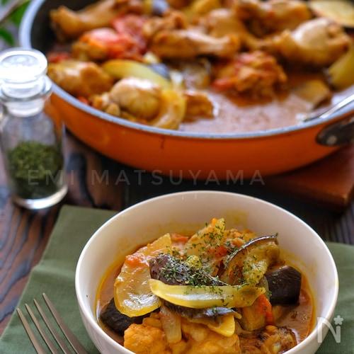 フライパンで!*手羽元と夏野菜の無水カレー煮込み*