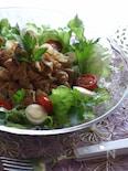 薄切り豚肉とレタスのサラダ
