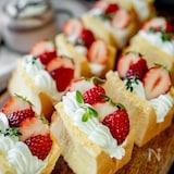 ふわふわ♡いちごのシフォンケーキ