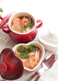 『豆板醤とレモンで作るトムヤムクン風スープ』