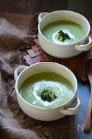 ブロッコリーのアーモンドミルクスープ