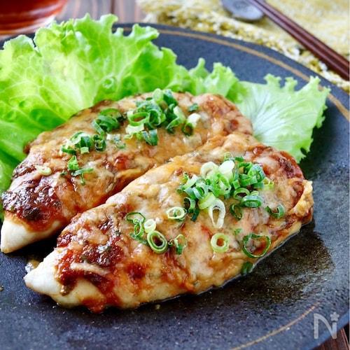 しっとり鶏ささみの味噌マヨチーズ焼き