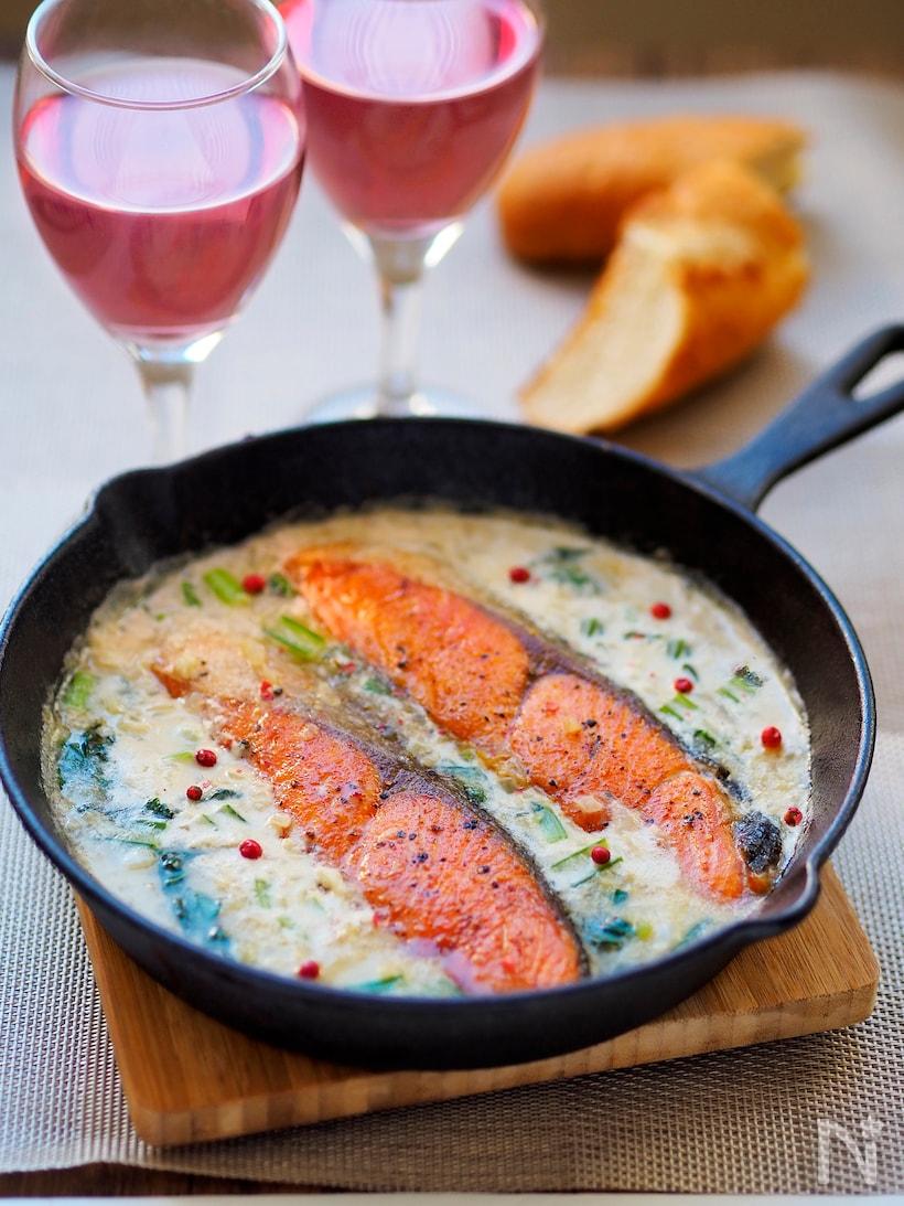 鮭とキノコのスキレット・バーニャカウダ
