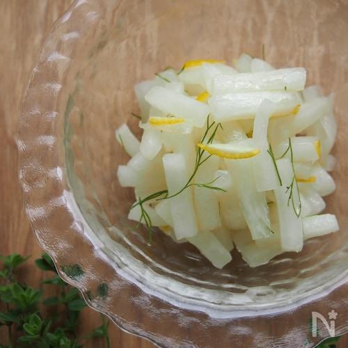 大根のはちみつレモンマリネ。