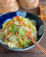 簡単副菜♪レタスとカニカマのうま塩サラダ
