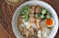 サバ缶とオクラの豆腐冷や汁