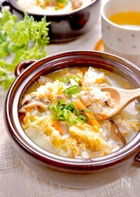 『疲れた胃に優しい♪『鶏と野菜の中華風たまご雑炊』』