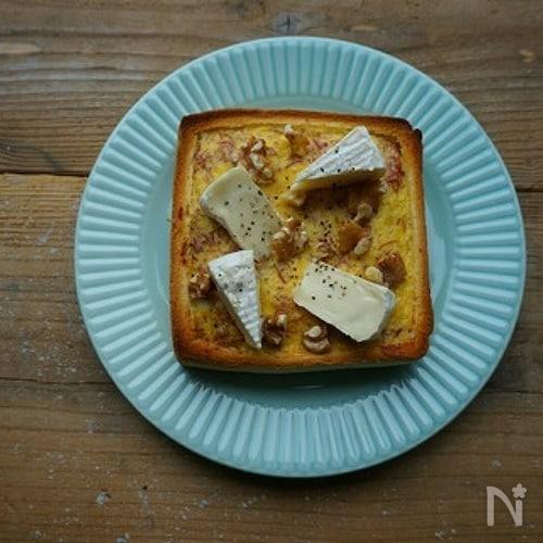 コンビーフとカマンベールのキッシュ風トースト