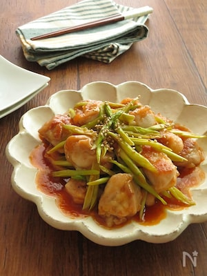 ご飯がすすむ◎うま辛チキンとアスパラ炒め