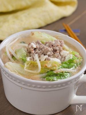 包丁なし♪もやしとレタスのピリ辛豆乳スープ