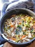 10分煮込むだけ♡豚肉とたっぷり野菜のピリ辛韓国風スープ♡