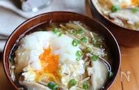 キャベツときのこと落とし卵の味噌汁