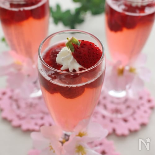 桜色のサイダーゼリー
