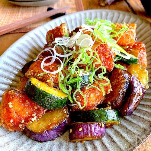 簡単絶品おかず♡【鮭と夏野菜のサクじゅわ照り焼き】お弁当にも
