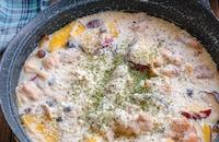 簡単ホワイトソースで!鶏肉ときのことさつまいものクリーム煮