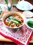 さっと煮るだけ!たっぷりニラとふんわり豚そぼろのスープ