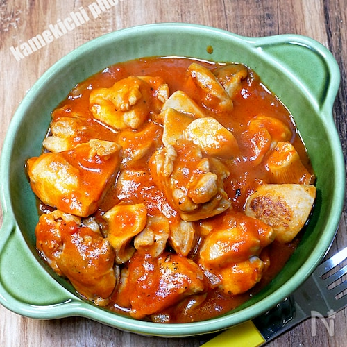 超簡単チキンのトマトソース煮