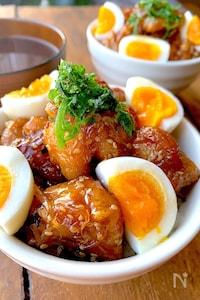 味とボリュームに大満足!〝鶏モモの照りから丼〟お弁当に