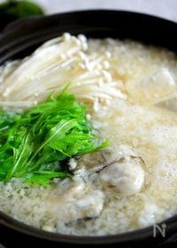『牡蠣と豆腐のみぞれ鍋』