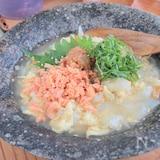 ごまタマ、梅鮭ひんやりクッパ§ゴマのスープにゴロゴロ新玉入り