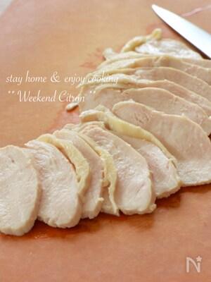 漬けるだけ♪しっとり茹で鶏(鶏ハム)と絶品チキンスープ
