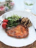漬けて保存、食べる時は焼くだけ!豚肉のピリ辛味噌焼き