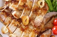 【洋食屋風スタミナ飯】おろし玉ねぎソースのガーリック豚テキ