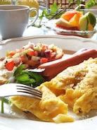 卵1個でポテト&オニオンの塩オムレツ